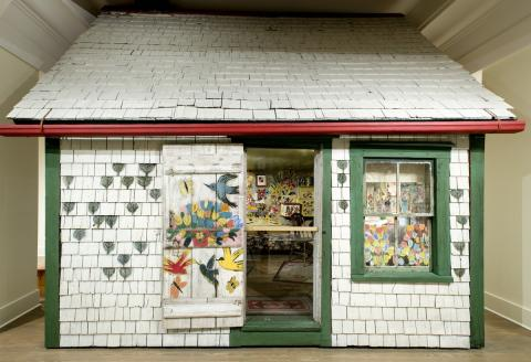 Maud Lewis house face on